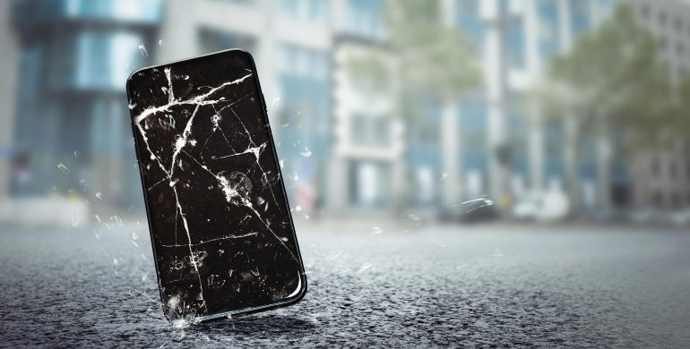 Ways to deal with cracked smartphone screen by Mobex