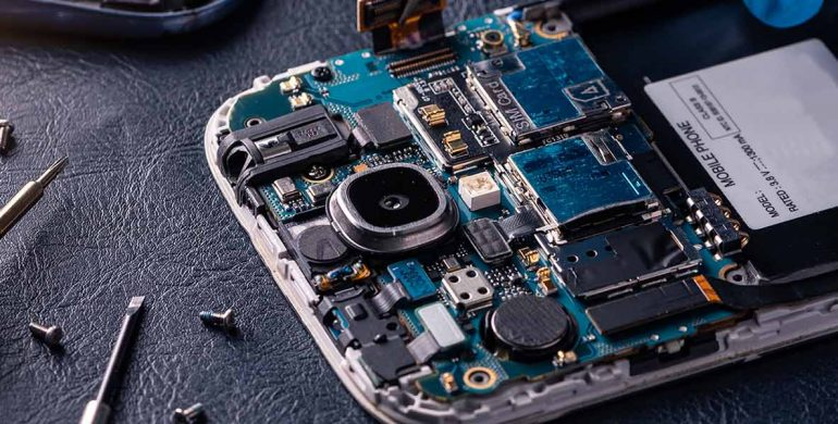 Here's how online mobile repair services are making your life easier